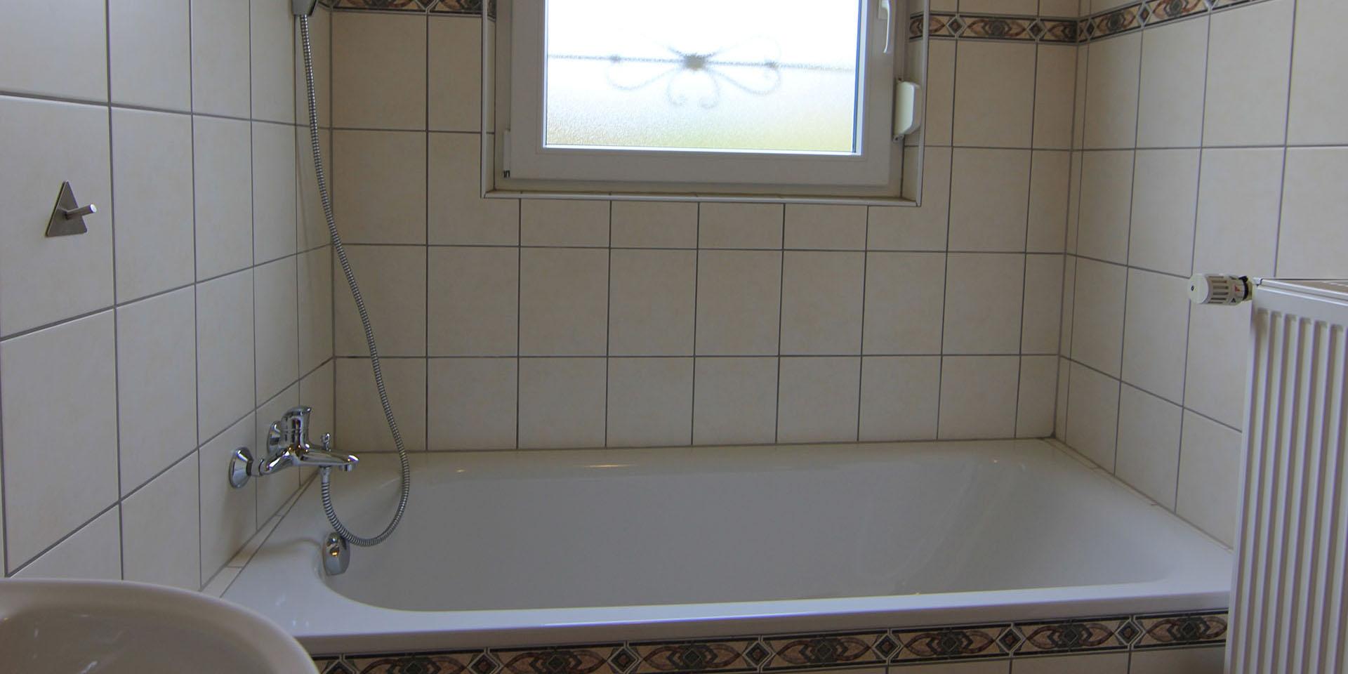Oberhalb der Badewanne